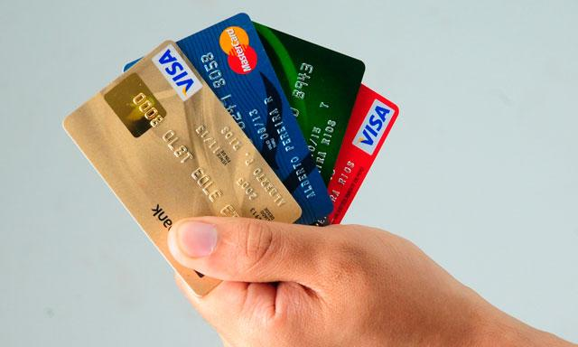 Claves para ahorrar o no endeudarte con la tarjeta de for Cuanto dinero se puede sacar del cajero