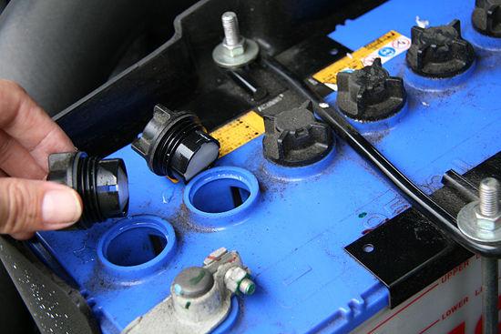 cuánto dura la batería del coche
